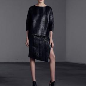 黑色壓紋暗花仿皮革半身裙子