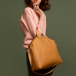 黃色古舊皮革手提包
