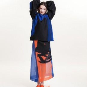黑色併藍色長袖針織上衣