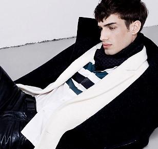 情人節暖男穿搭靈感 亮點少於兩處 選色乾淨俐落
